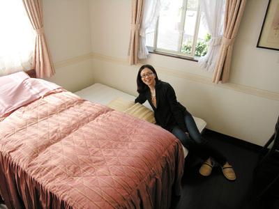 ex-bed2.jpg