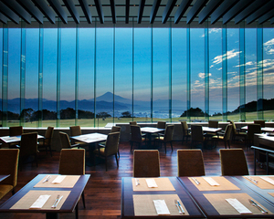Nihondaira hotel Allday dining the terrace