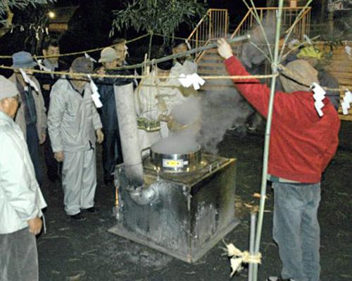 Ear Shinto shrine pipe rice porridge festival (we tear pipe rice porridge)