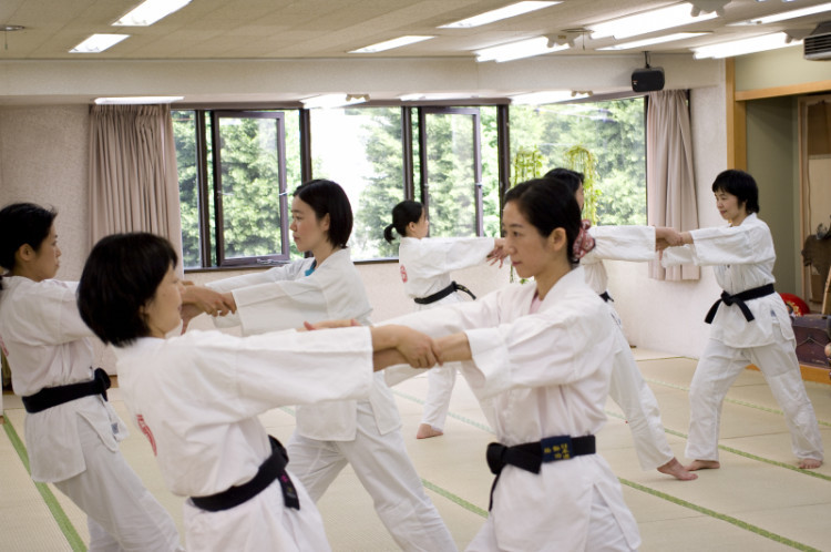 Defense that is recommended to woman who can learn in Shizuoka-shi ☆Healthy martial arts briefing session