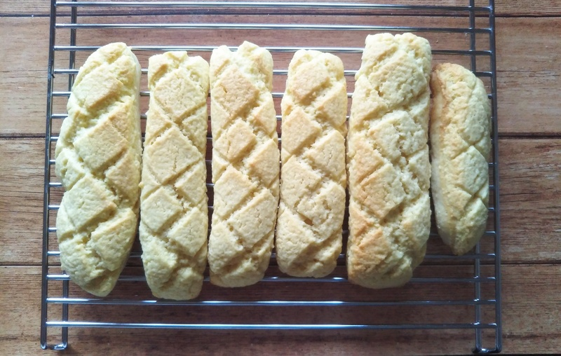 "Bread in the morning at night for five minutes in preparation for ten minutes hot from the oven! Shoot; bread lecture ""melon bread stick"""