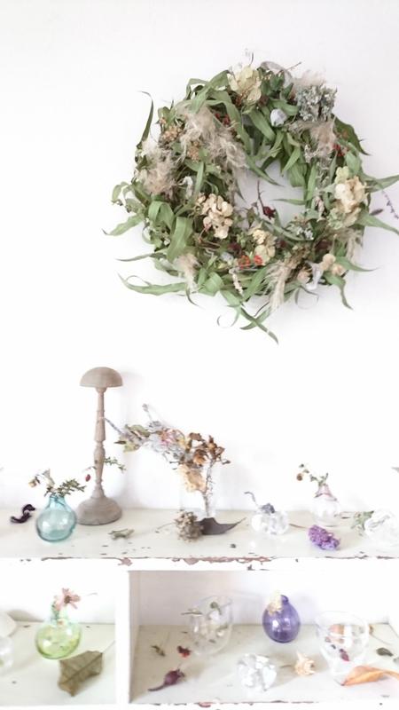 Small glass & chisato' wreath exhibition of Naomi Shioya